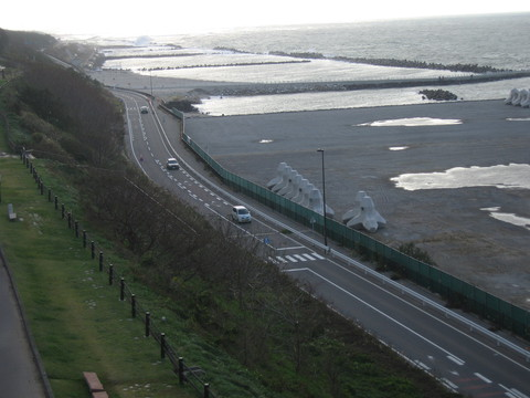 日本海荒れ模様