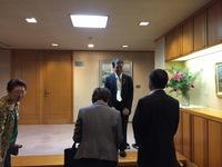 泉田知事お疲れ様でした。