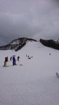 昨日から寒波❗時折暴風雪。気…