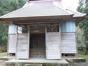 冬の準備(枡形神社の冬囲い)