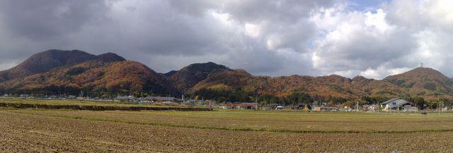 雨乞山から国上山の里山は紅葉真っ盛り