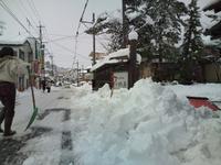 どか雪と流雪溝と鐘の音。