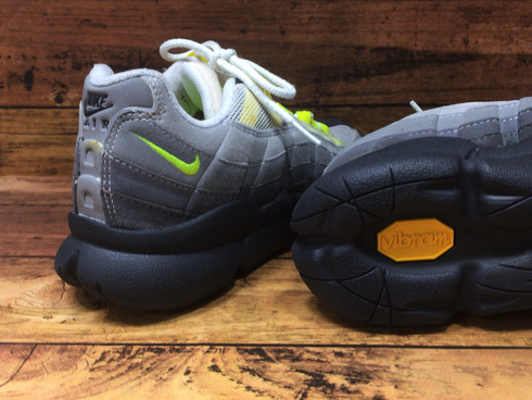 NIKE AIR MAX 95×vibram plump black