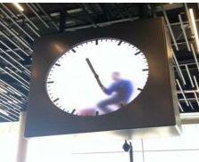 オランダの飛行場の時計