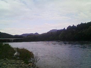 阿賀野川と国道と